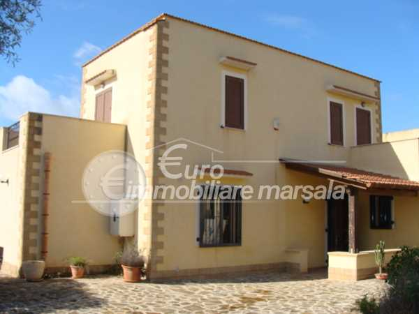 Vende Splendida Villa con terreno