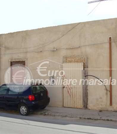 Vende casa da ultimare